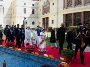 President Pranab Mukherjee with Vice President Hamid Ansari, Prime Minister Narendra Modi and Lok Sabha Speaker Sumitra Mahajan,Parliamentary Affairs Minister M Venkaiah Naidu walks towards the Cen