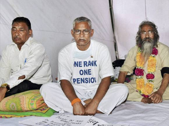 Ex-servicemen, OROP, One Rank One Pension issue, Jantar Mantar, New Delhi