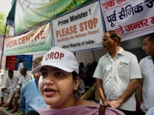 VK Singh's daughter joins OROP protest at Jantar Mantar