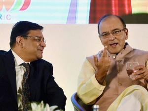 Urjit Patel and Union Finance Minister, Arun Jaitley during a conference