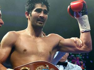 Vijender Singh celebrates  after Boxing Match with Kerry Hope