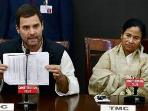 Congress Vice President Rahul Gandhi and West Bengal Chief Minister Mamata Banerjee at joint press conference