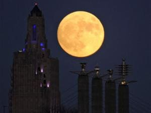 What is a supermoon? Earth witnesses closest phenomenon in almost 70 years