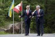 Stephen Harper meets with Arseniy Yatsenyuk