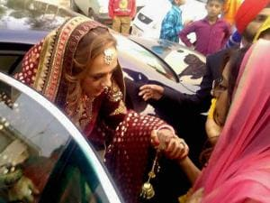 Hazel Keech at Dera Duffera arrives for her wedding with Yuvraj Singh in Fatehgarh Sahib