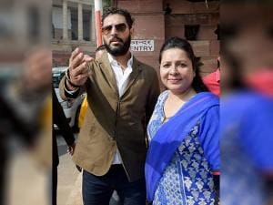 Yuvraj Singh with his mother Shabnam Singh at Parliament