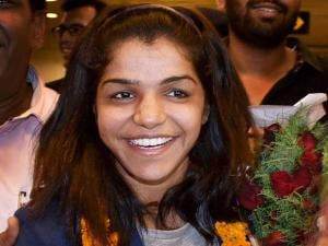 India's first woman wrestler Sakshi Malik receives a grand welcome