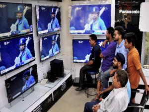 Amritsar: People glued to TV sets during the ICC Champions Trophy match between India and Pakistan