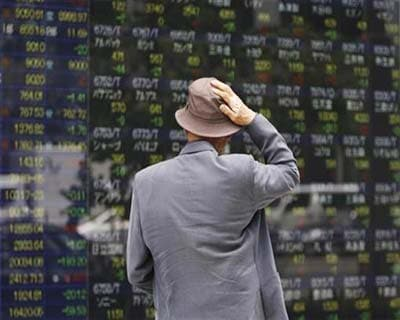 Nikkei slides, suffers worst weekly losing run since 2001