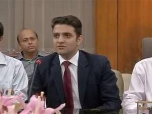 Jammu and Kashmir's Athar Aamir secures second place in IAS exams