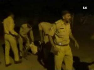 Liquor mafia attacks police, journalists in MP's Satna district