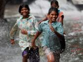Monsoon cover India early, boosts crop hope