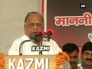 Mulayam Singh lays foundation stone of Sainik School; pulls Akhilesh's rein over project completion