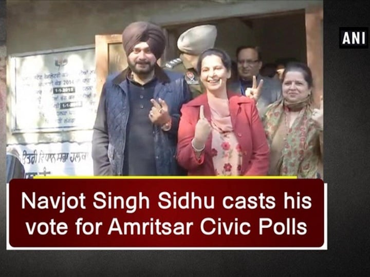 Navjot Singh Sidhu casts his vote for Amritsar Civic Polls