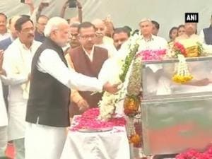 PM Modi, other party leaders pay homage to Ashok Singhal