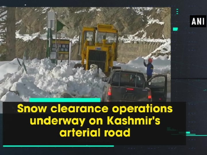 Snow clearance operations underway on Kashmir's arterial road