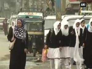 Srinagar limps back to normalcy after 5 days