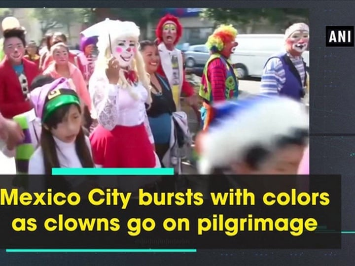 Mexico City bursts with colors as clowns go on pilgrimage