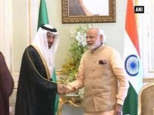 PM Modi meets Saudi ministers in Riyadh
