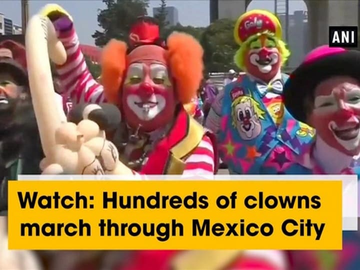 Watch: Hundreds of clowns march through Mexico City