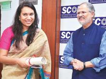 Business Standard's Senior Feature Writer Manavi Kapur (left) receives the Special Mention award at the Business Standard-Seema Nazareth Award for Excellence in Print Journalism, 2015 function, from Delhi's Lieutenant-Governor Najeeb Jung, in New Del