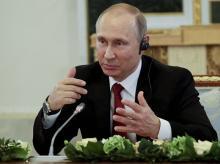 Vladimir Putin, women's day