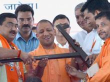 Yogi govt's 'gift' to Uttar Pradesh farmers starts with 9 paise loan waiver
