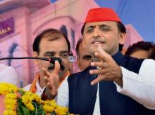 Mathura: Samajwadi Party President Akhilesh Yadav speaks during the Bhoomi Pujan ceremony of Yadav Dharmshala in Vrindavan, Mathura. (File photo: PTI)