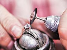 Craftsman work at a diamond processing unit