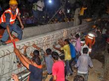 varanasi bridge, varanasi tragedy, flyover collapse, varanasi bridge collage, bridge falls in Varanasi, varanasi flyover, varanasi breaking news, varanasi current news, varanasi news, varanasi death toll, varanasi accident, varanasi news live, varana