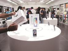 Apple shuns the tech industry's apology tour