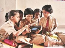 Students from Guru Nanak School in Mumbai using Class Cloud