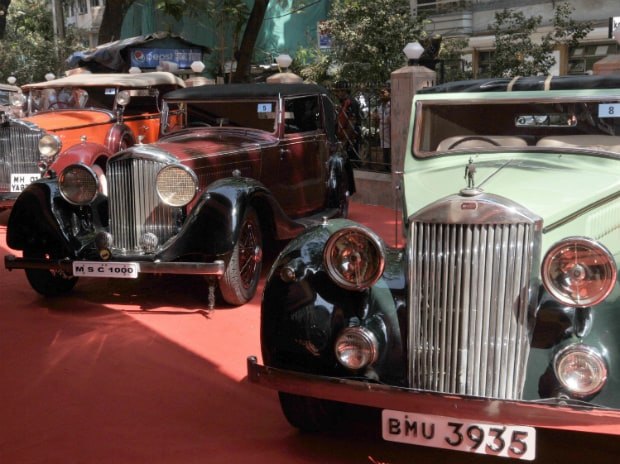 Vintage cars at the Osianama Vintage Classic automobile show held in Mumbai, where Magical Rolls Royce, Mercedes Benz, Pierce, Invicta Black Prince and other rare cars were displayed on 21 Feb, 2015. PHOTO: SURYAKANT NIWATE