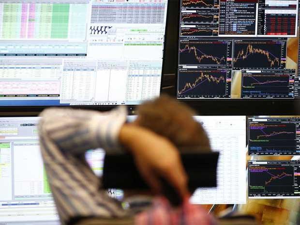 Saham dunia turun di tengah kekhawatiran atas China, pajak AS, kebijakan bank sentral thumbnail