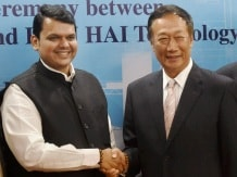 Maharashtra CM Devendra Fadnavis (left) with Terry Gou, founder and chairman, Foxconn