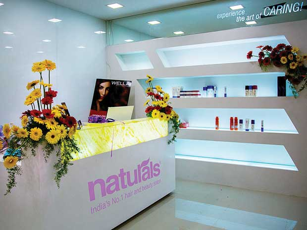 Naturals gets its show on the road