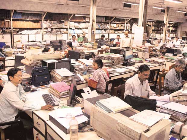 Ahead of polls, Maha govt approves implementation of 7th Pay Commission