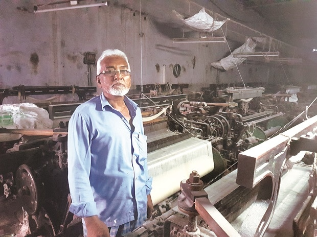 A power loom owner stands in his factory in Bhiwandi, that has come to a halt due to demonetisation.	Photo: Sanjay Jog
