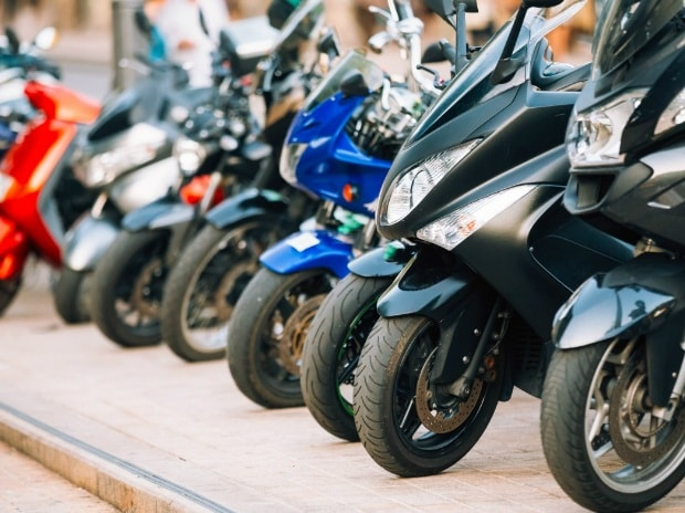 Exports of two-wheelers to Bangladesh soar 50% in FY2018