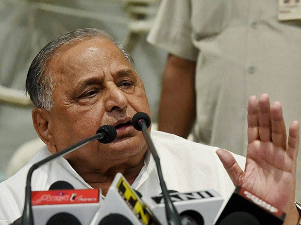 In his autumn years, Mulayam Singh Yadav faces an acute