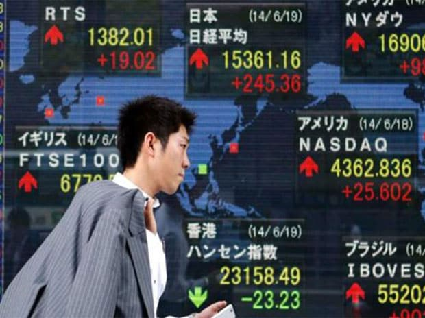Asia stocks bounce after losses, dollar sags on weak US inflation data