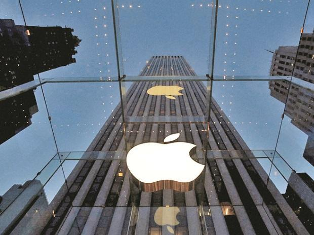 Why Apple changing App store rules to save info of iPhone owners' friends