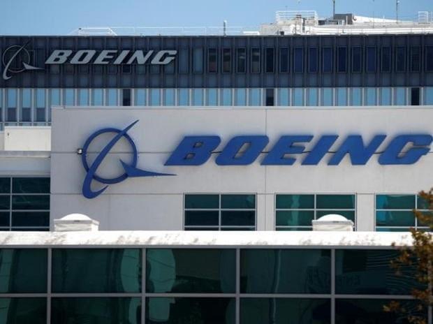 Boeing, BA