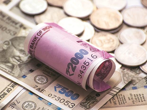 Forex reserves slip below $400-bn mark for first time in over a year: RBI