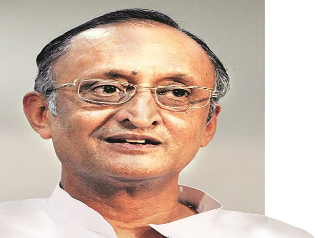 Major lenders should introduce job-oriented banking courses: Amit Mitra