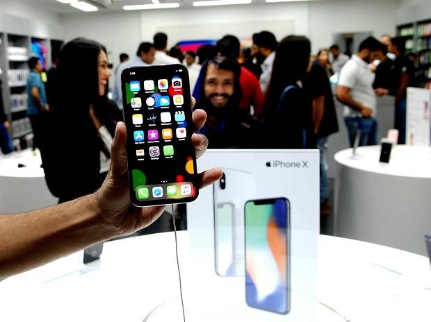 Future iPhones may arrive with smart magnetic connectors - Business Standard