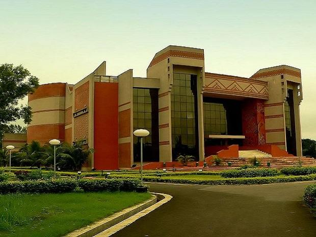 Average salary up by 4% as IIM Calcutta records 100% placements