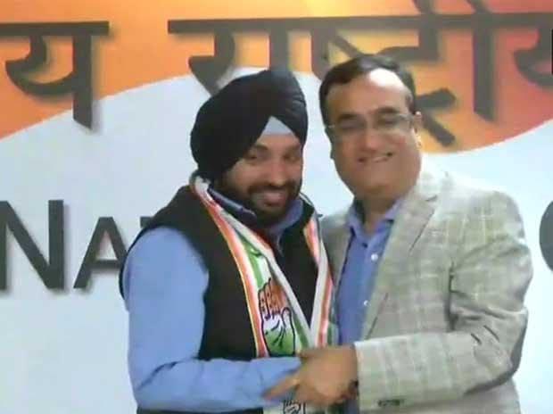 Arvinder Singh Lovely who called Sheila Dikshit a 'burden' rejoins Congress
