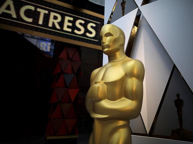 Oscar 2018, best actress award, Caey affleck, Jennifer lawrence, jodie foster,J-LAW,Jane Fonda and Dame Helen Mirren ,oscar best actor, best actress, me too, times's up movement