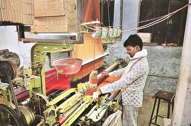 Though India has a rich and varied handloom heritage, it faces crippling challenges from technological advancements such as the powerloom.